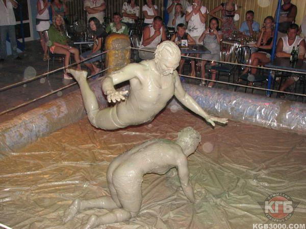 Драка женщин в грязи фото 384-508